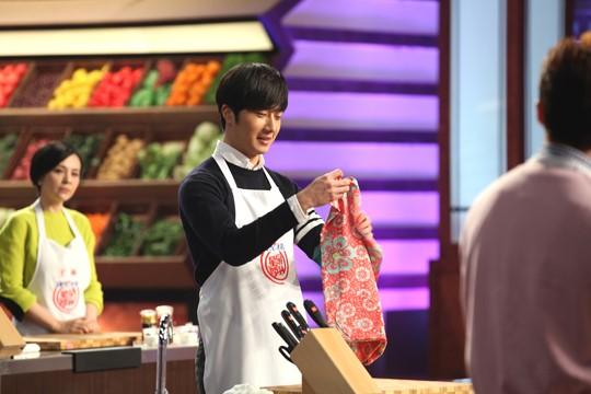 """2015 4 8 Jung Il-woo at China's Jiangsu Satellite TV """"Star Chef"""" 21.jpg"""