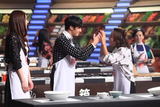 """2015 4 8 Jung Il-woo at China's Jiangsu Satellite TV """"Star Chef"""" 24.jpg"""