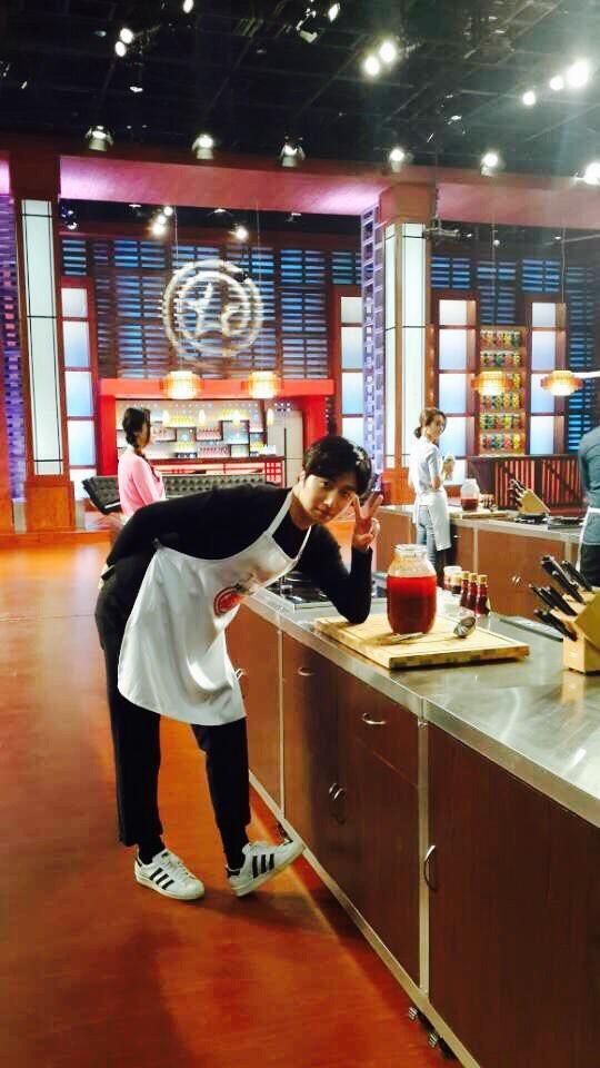 """2015 4 8 Jung Il-woo at China's Jiangsu Satellite TV """"Star Chef"""" 26.jpg"""