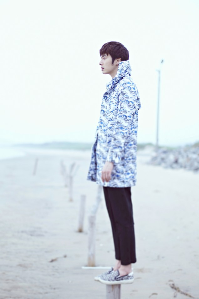 2015 4 Jung Il woo in a Blue Green Photo Shoot clearer than a blue sky. 3