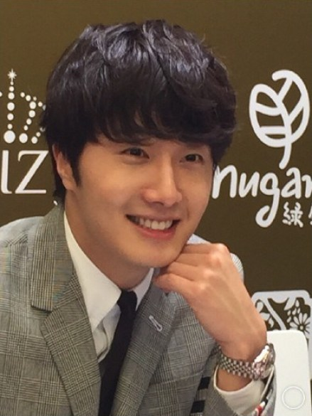 2015 5 19 Jung Il Woo attends the '2015 China Shanghai Cosmetics and Beauty Expo' 21