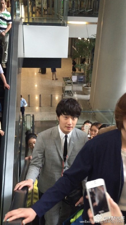 2015 5 19 Jung Il Woo attends the '2015 China Shanghai Cosmetics and Beauty Expo' 9