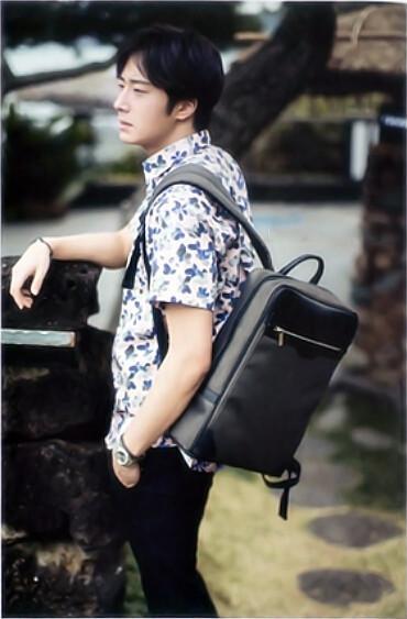 2015 5 Jung Il-woo in Kwave Magazine 3.jpg