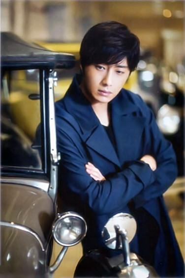 2015 5 Jung Il-woo in Kwave Magazine 6