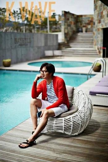 2015 5 Jung Il-woo in Kwave Magazine Part 3. 1.jpg