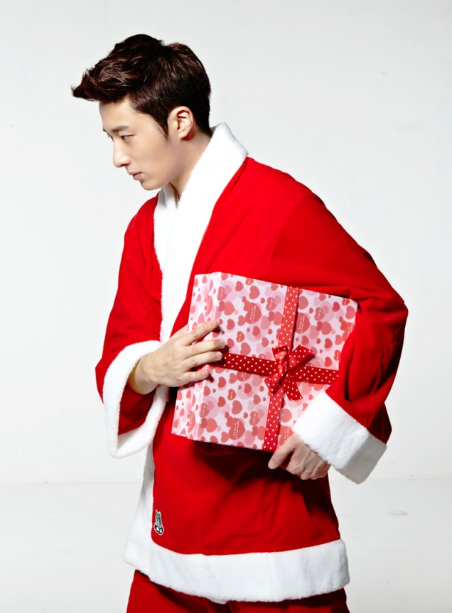2013 12 Jung Il-woo as Santa 4