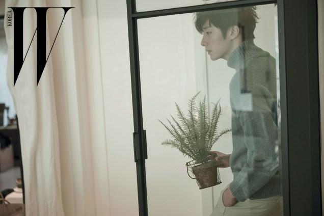 2015 11 Jung Il-woo for W Korea Magazine. 6