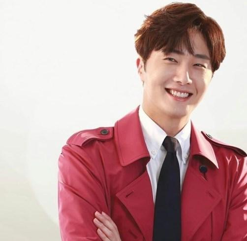 2015 Jung Il-woo in High End Crush BTS Cr. SOHU TV2
