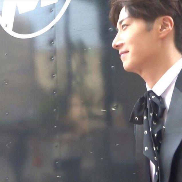2015 Jung Il-woo in High End Crush BTS Cr. SOHU TV38