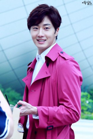 2015 Jung Il-woo in High End Crush BTS Cr. SOHU TV6