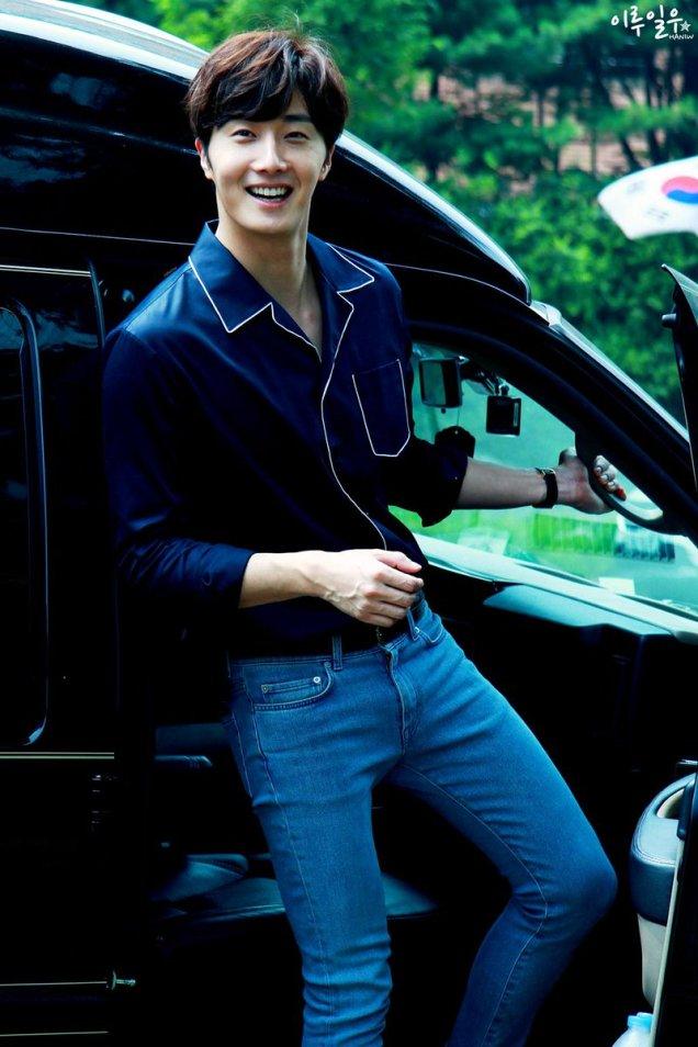 2015 Jung Il-woo in High End Crush BTS Cr. SOHU TV82