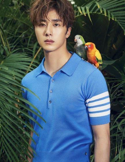 jung-il-woo-in-thom-browne-1.jpg