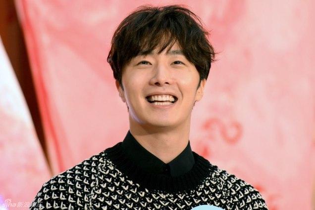 2016 1 23 jung il-woo in hong kong fan meeting extras talking14
