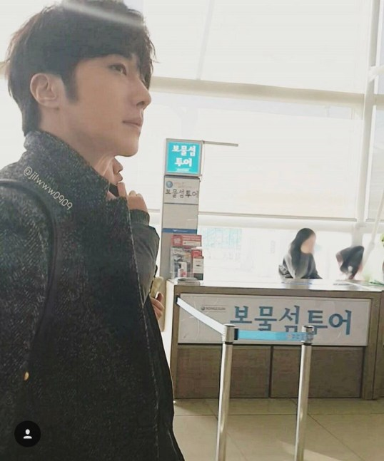 2016 1 9 jung il-woo in the airport going to shanghai for the smile cup part 1 14