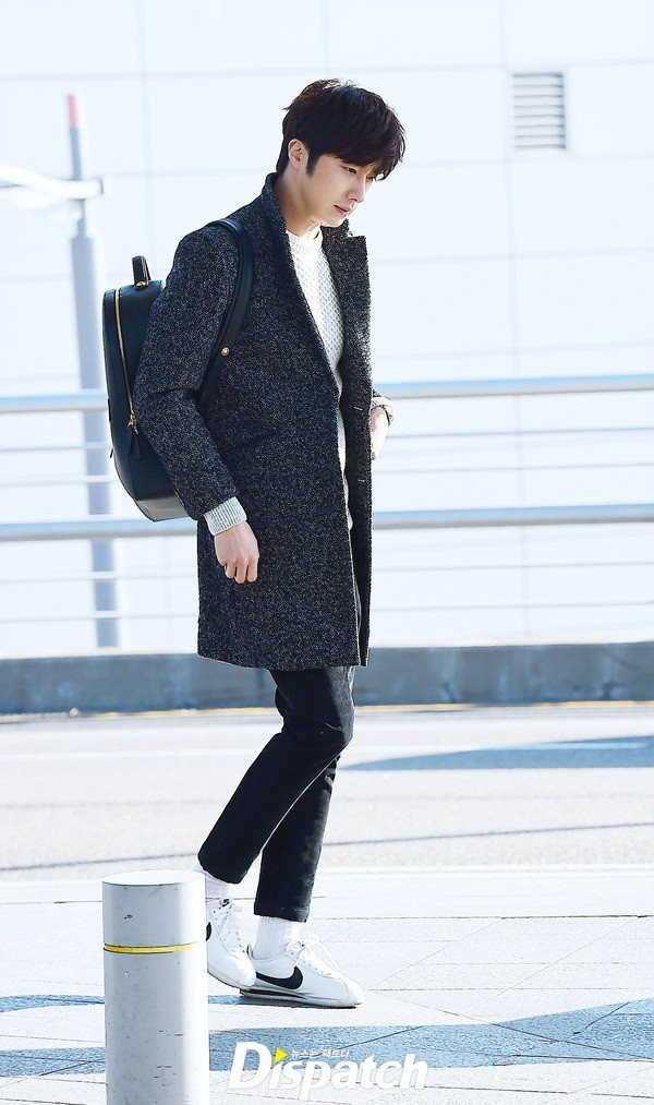 2016 1 9 jung il-woo in the airport going to shanghai for the smile cup part 2 15