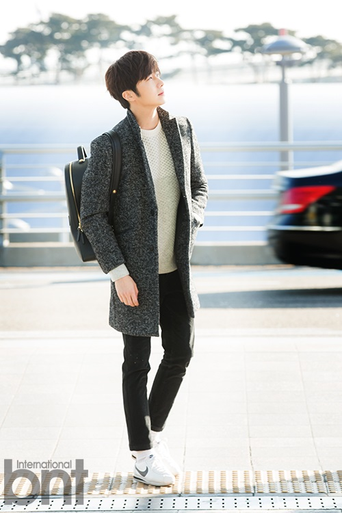 2016 1 9 jung il-woo in the airport going to shanghai for the smile cup part 2 33