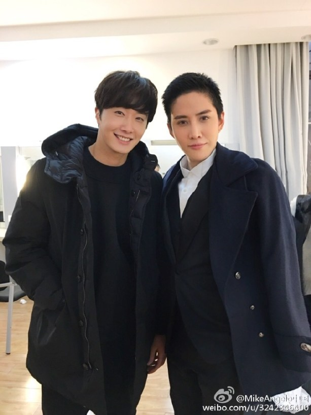 2016 2 8 Jung Il-woo Hunan TV Spring Gala Behind the Scenes with Mike.jpg
