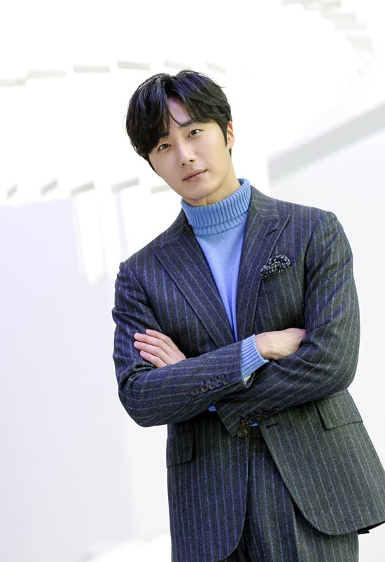 2019 1 21 jung il-woo at the sbs press conference for haechi. cr. sbs 9