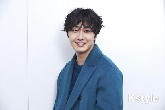 2019 1 9 Jung Il-woo in KStyle Magazine.  3.jpg