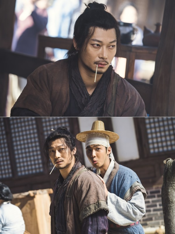 2019 1 Jung Il-woo and cast BTS of Haechi. 5