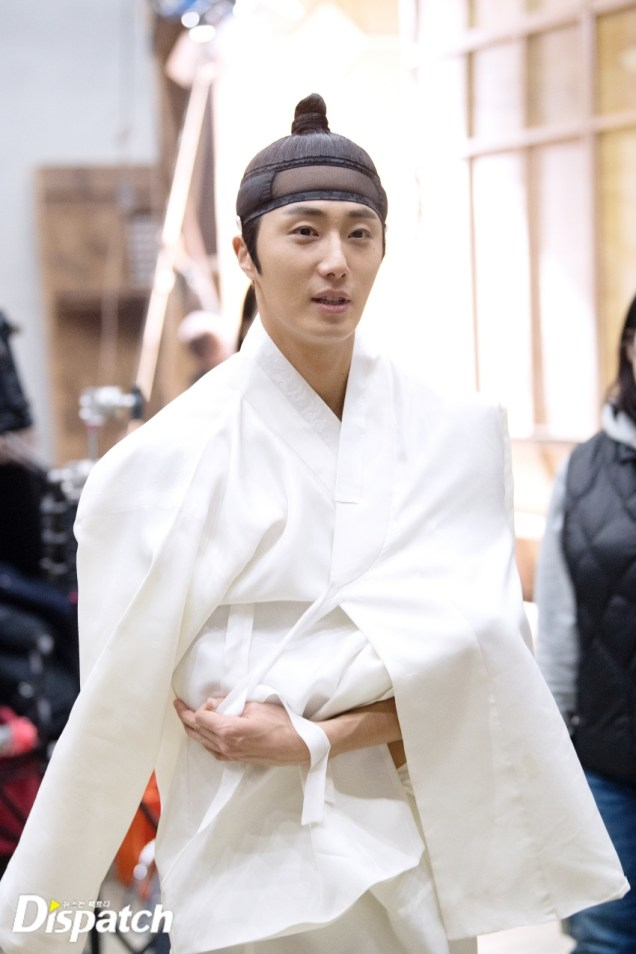 2019 2 11 Jung Il-woo BTS Haechi Episode 1. Cr. SBS, Dispatch. 14