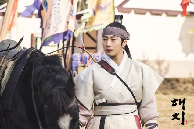 2019 2 12 Jung Il-woo in Haechi Episode 2 (3-4) BTS 3.jpg