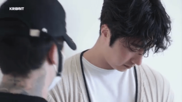 2019 2 18 Jung Il-woo in Kribbit Behind the Scenes Video 1, Screen Captures by Fan 13. 2