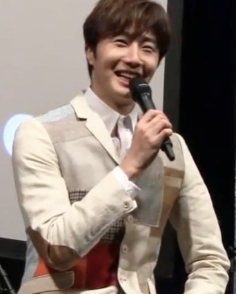 2016 4 15 Jung Il-woo at the Press Conference for the 10th Thank You Fan Meeting in Japan. 3