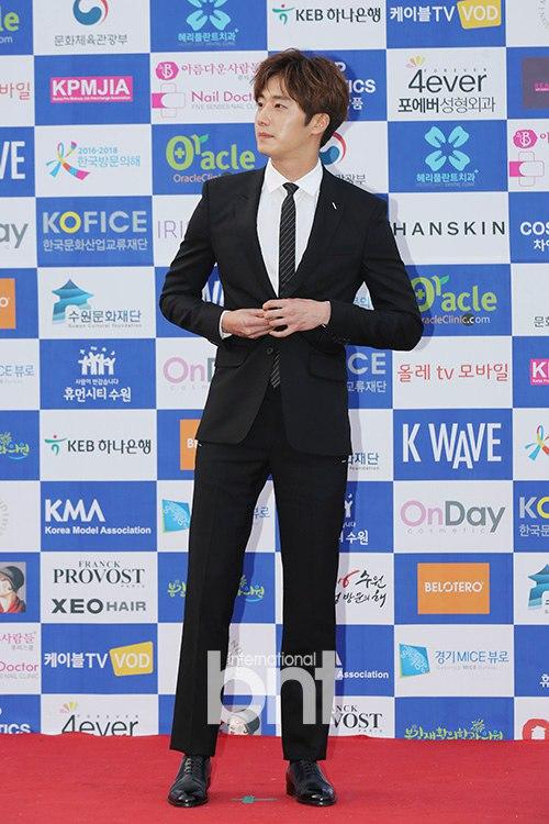 2016 5 21 Jung Il-woo at the Asian Model Awards. Photo Pose. 2