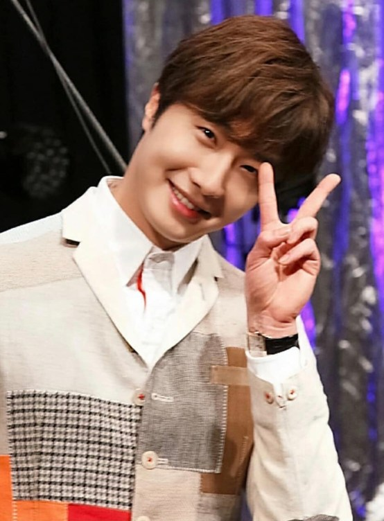 2016 Jung Il-woo in his 10th Thank You Fan Meeting in Japan. Press Conference. 2.jpg