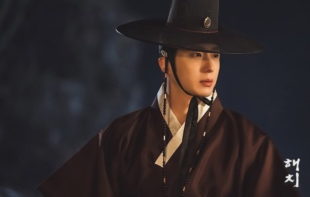 2019 2 26 Jung Il-woo in Haechi Episode 6 (11,12) Behind the Scenes. Cr. SBS 11