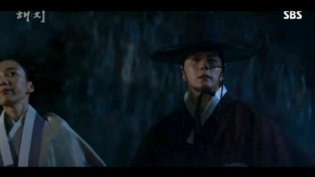2019 2 26 Jung Il-woo in Haechi Episode 6 (11,12) Cr. SBS Screen Captures by Fan13. 1