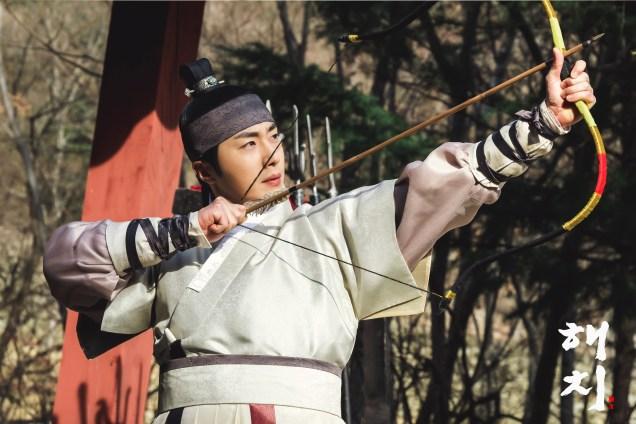 2019 3 8 Jung Il-woo in Haechi Episode 7. Website Photos. 3