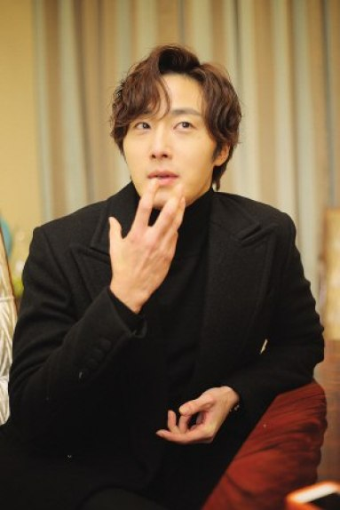 2015 10 Jung Il-woo in an Interview of Beautiful Woman : Beauty Dream. 5