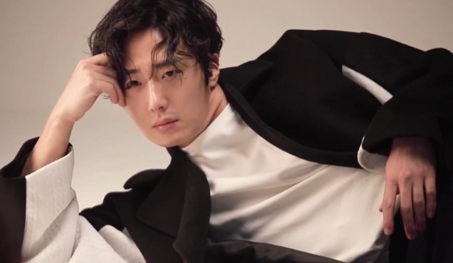 2019 3 Jung Il-woo for Kribbit Magazine: Man in Shadow. JAANKEE 10