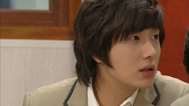Jung Il-woo as Yoon-ho in Unstoppable High kick. 200714