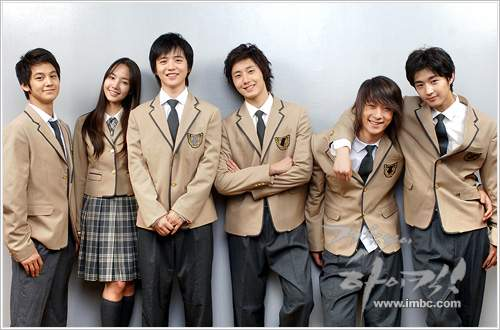 Jung Il-woo as Yoon-ho in Unstoppable High kick. 200717