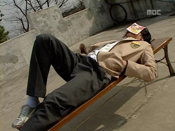 Jung Il-woo as Yoon-ho in Unstoppable High kick. 20079