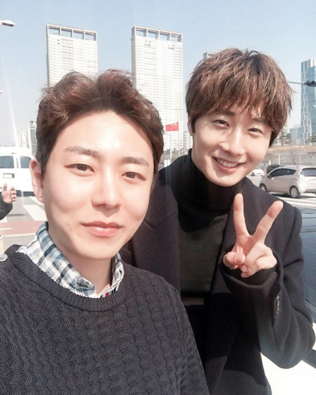 2016 Jung Il-woo in Cinderella and the Four Knights. Behind the Scenes. Fans. Car take. Cr. tvN 3