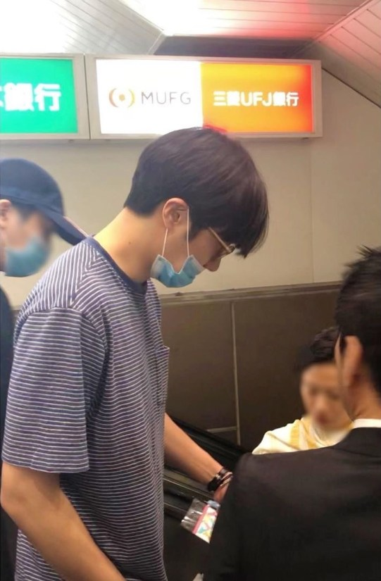 2019-5-24-a-fan-posted-these-waiting-for-jung-il-woos-fan-meeting-to-start.-6.jpg
