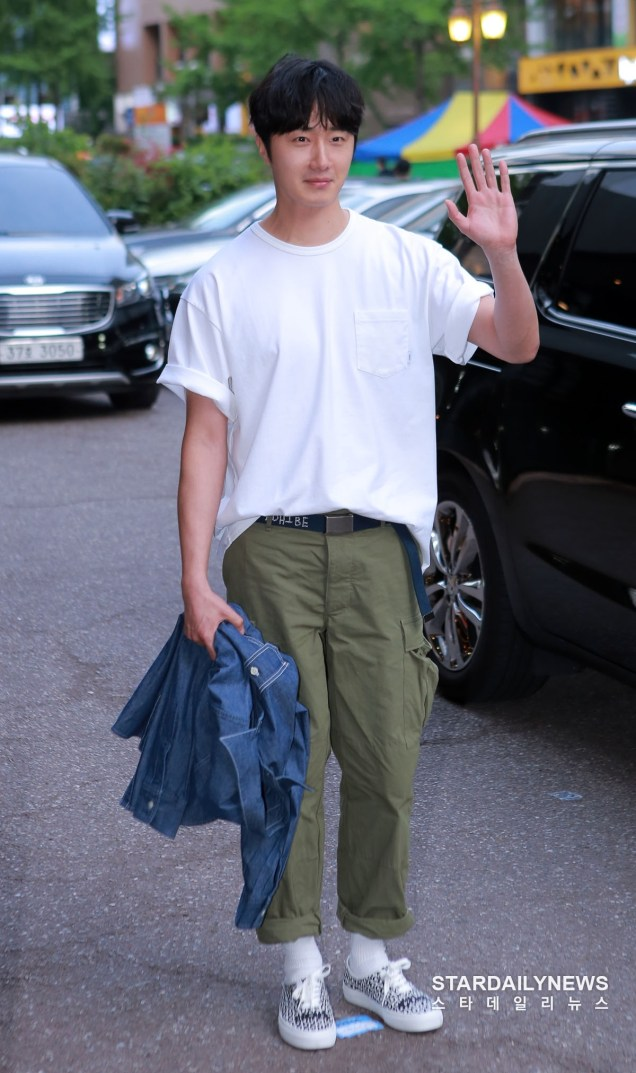Jung Il-woo arrives to the Wrap Up Party of Haechi. April 30, 2019. 23