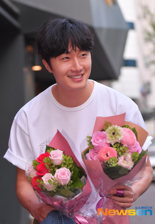 Jung Il-woo arrives to the Wrap Up Party of Haechi. April 30, 2019. 30