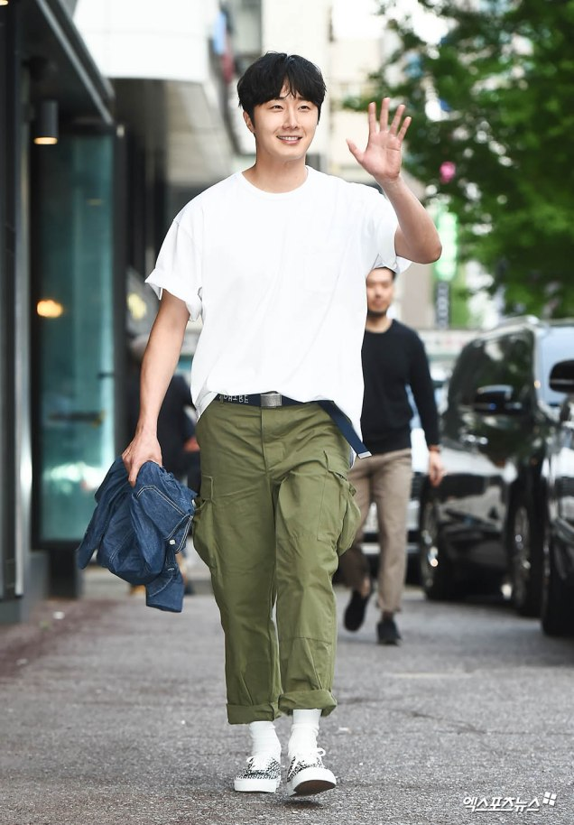 Jung Il-woo arrives to the Wrap Up Party of Haechi. April 30, 2019. 4