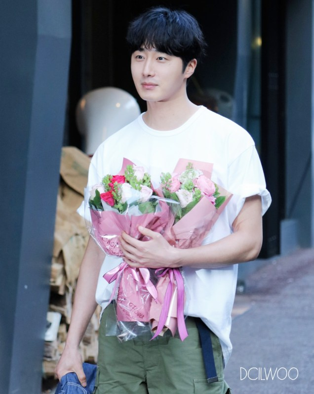 Jung Il-woo arrives to the Wrap Up Party of Haechi. April 30, 2019. 41