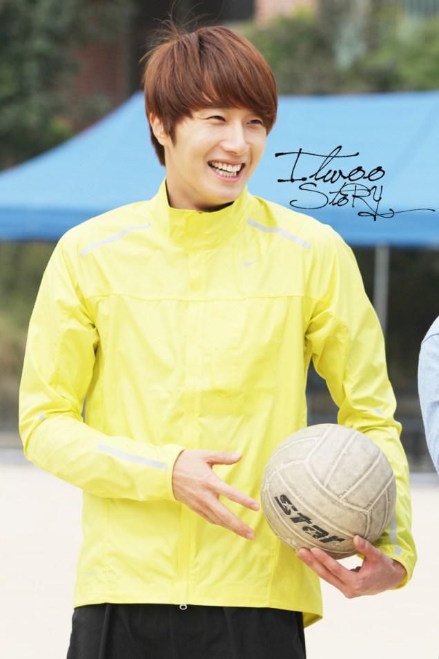 2011 10 09 Jung II-woo Athletic Fan Meeting 00083.jpg