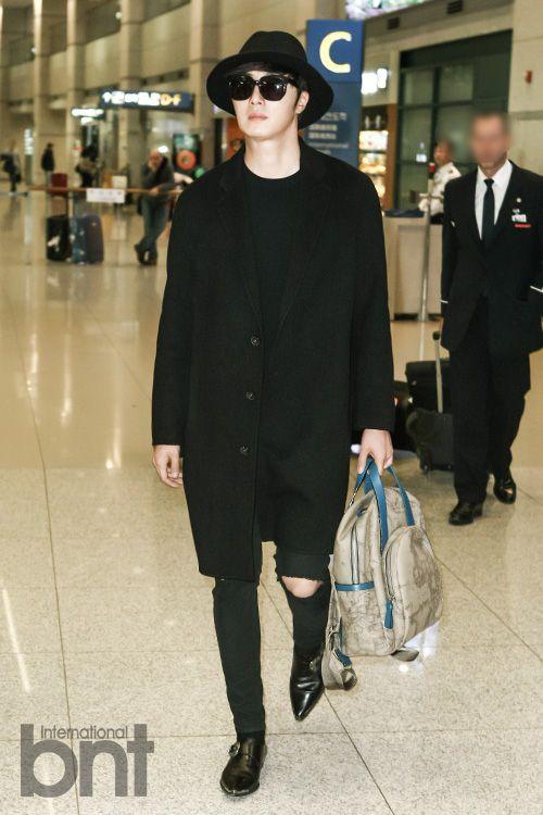 Jung Il-woo at Incheon Airport. Cr. Various. 3.jpg
