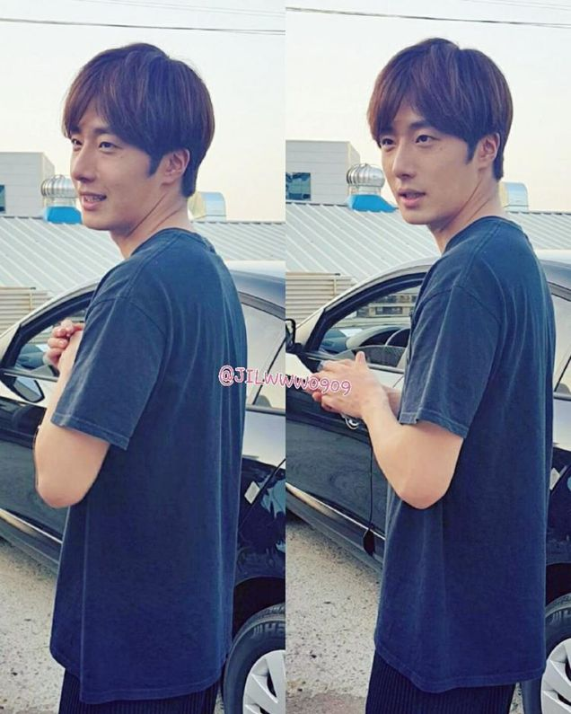 2016 9 23. Jung Il-woo in Cinderella and the Four Knights. Cr. Fans, on photos. Black Shirt 4