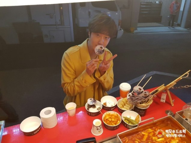 Jung Il-woo in Cinderella and the Four Knights. Episode 8. Cr. tvN Yellow Overcoat. Fan Take. Cr. on them. PNG13