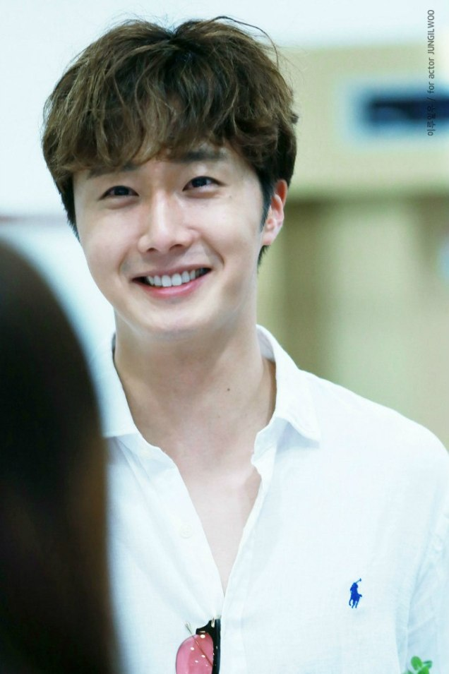 2016 6 1 Jung Il-woo at the Wrap Up Party for Cinderella and the Four Knights. 12