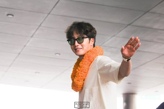 2016 6 5 Jung Il-woo arrives to the airport in Thailand for the filming of Love and Lies. 21